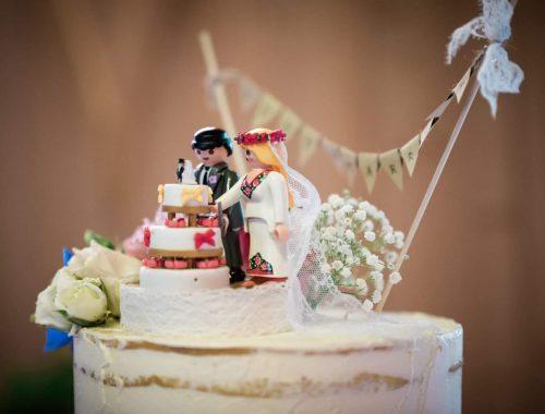 Hochzeitstorte mit Playmobil Brautpaar